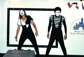 Mime Artist for Hire Singapore, mime Singapore, Le Mimic,Mime acts Singapore, Mime for hire Singapore, Mime Artists Singapore,
